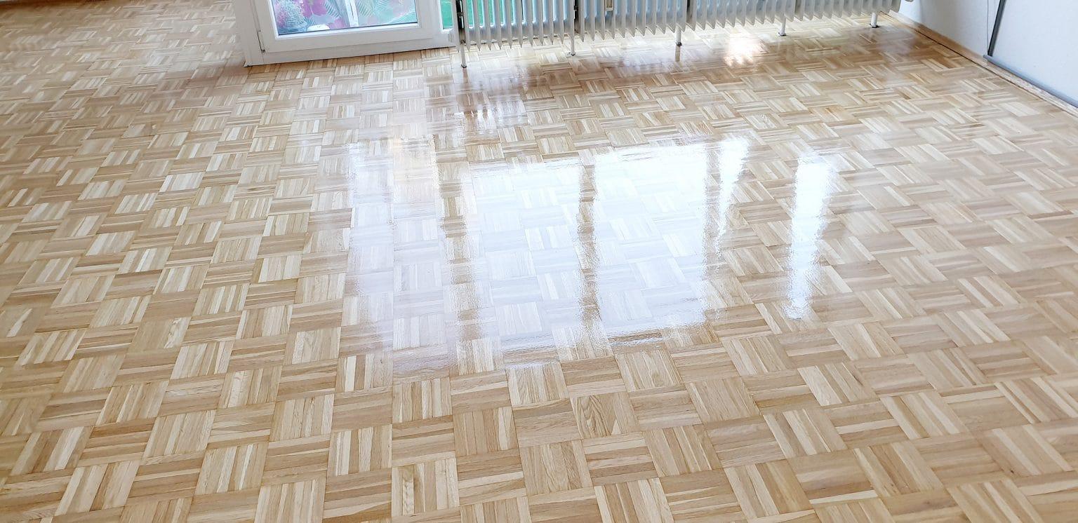 Nach der Versiegelung kann der Boden wie gewohnt genutzt werden und sieht aus wie neu.